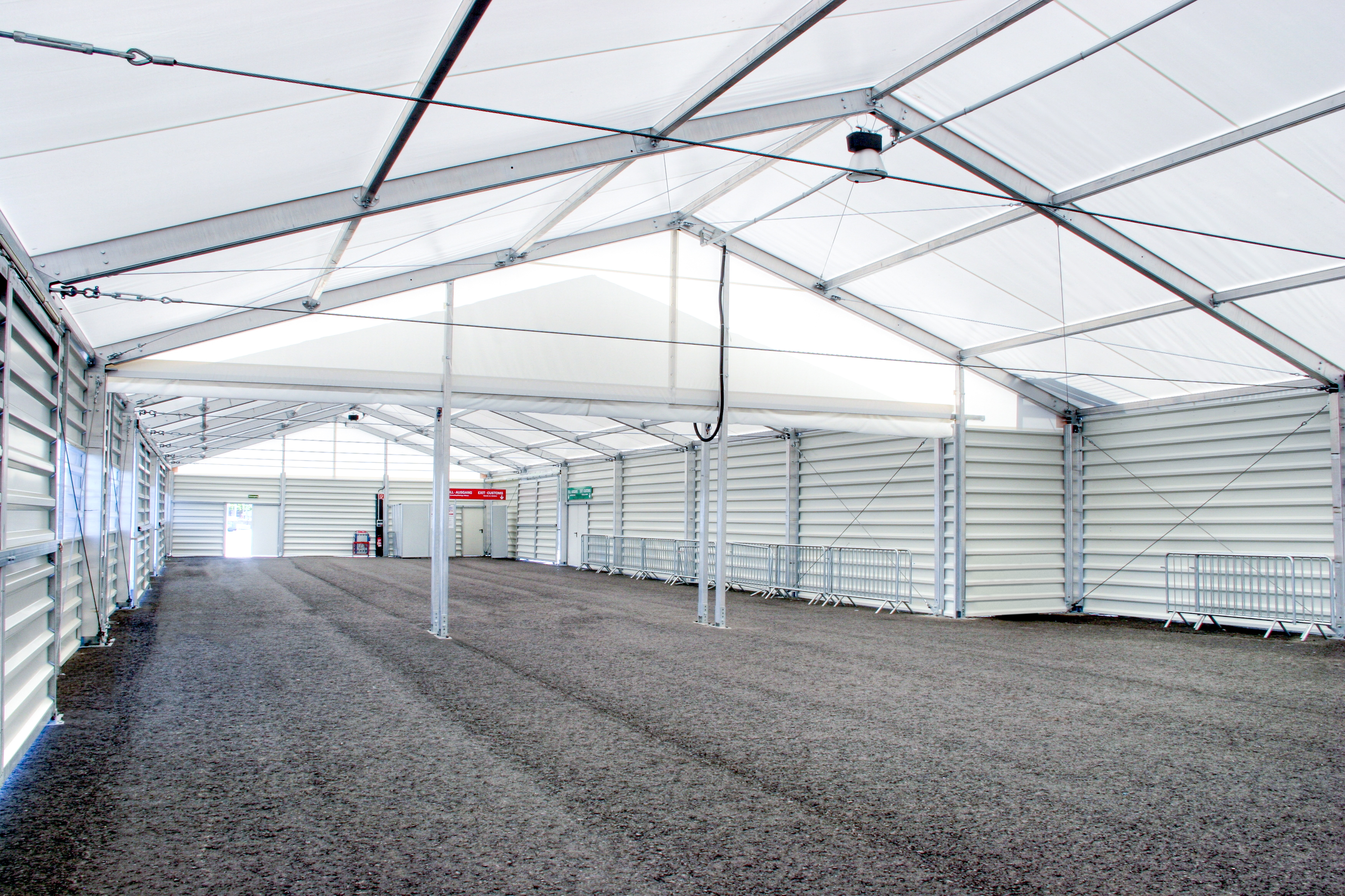 Insulated demountable building with added ceiling