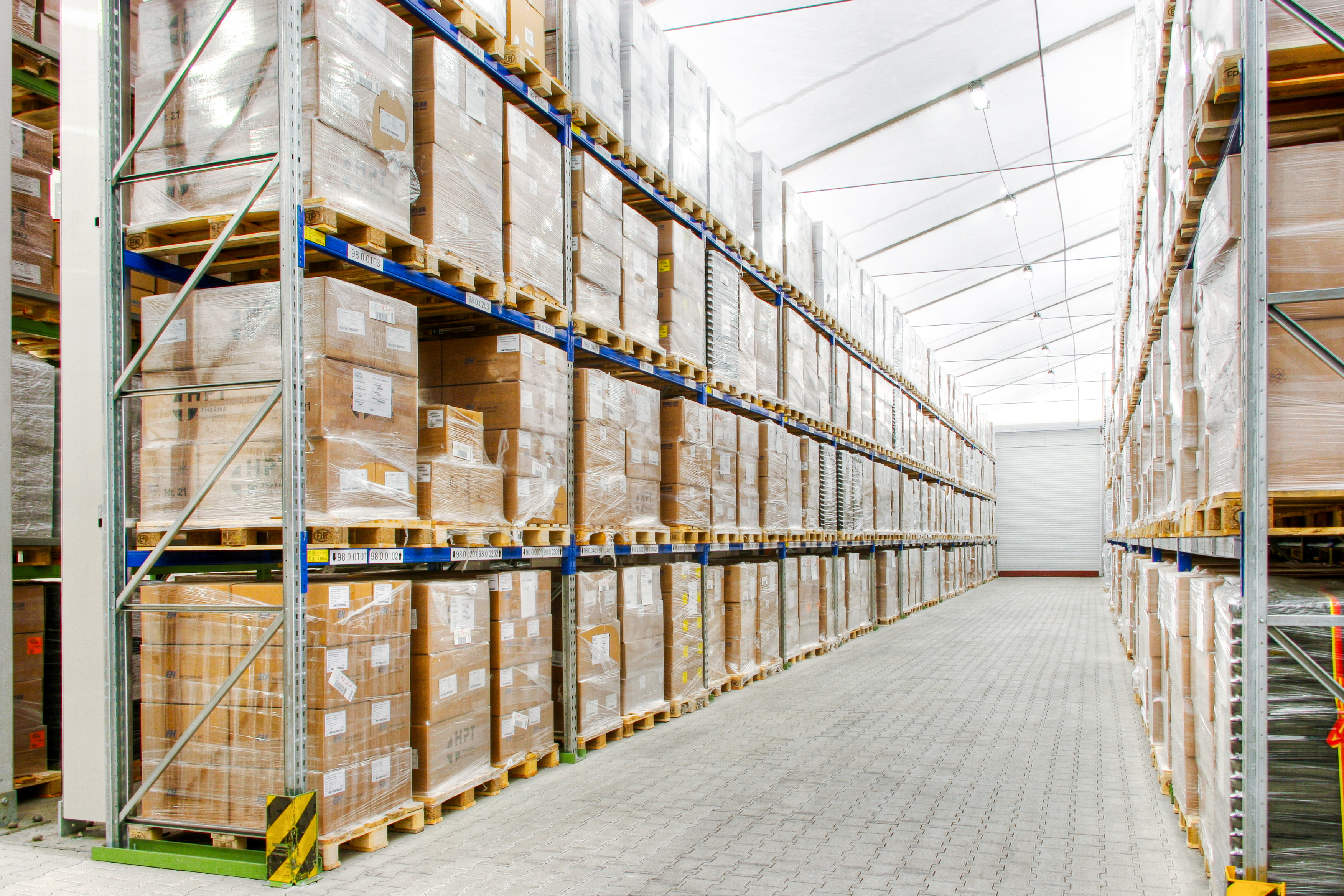 Warehouse for 16,000 pallets